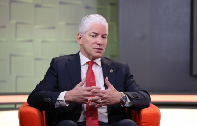'No queremos un divorcio entre el Ejecutivo y los empresarios ' Severo Sousa