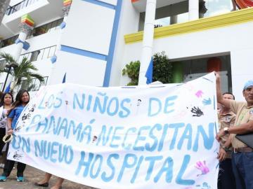 Galenos del HN exigen un nuevo hospital