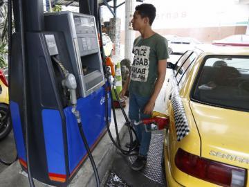 Desde febrero de este año, hasta la fecha, los precios de combustibles han aumentado siete veces