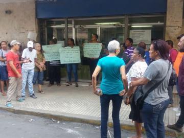 Billeteros protestan en Colón