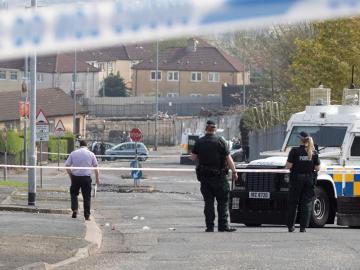 Muere a tiros una periodista durante disturbios en Irlanda del Norte