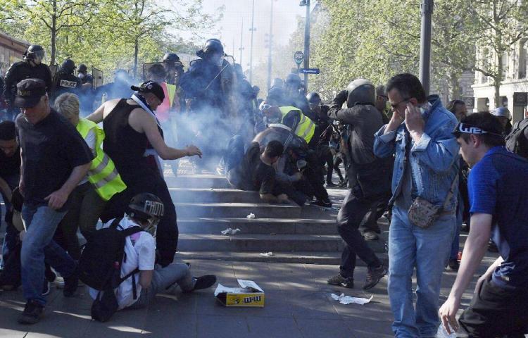 'Chalecos amarillos' tienen revuelta a Francia