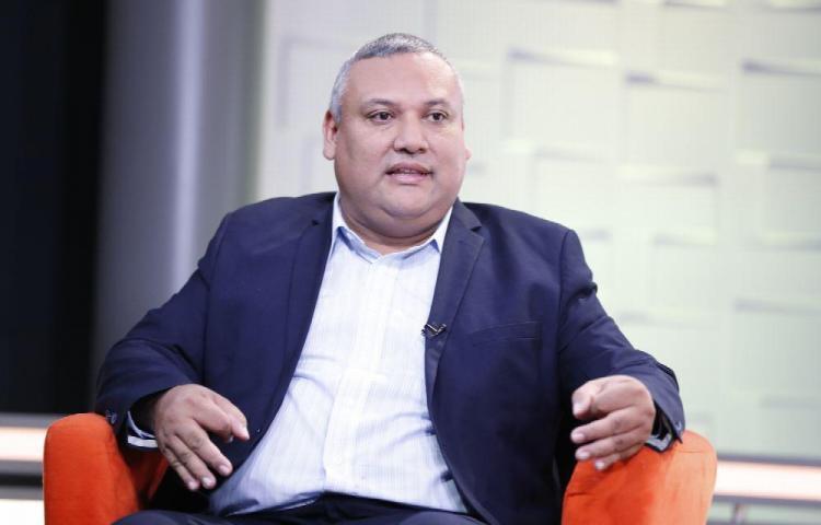 El profesor que quiere ser alcalde Diógenes Sánchez
