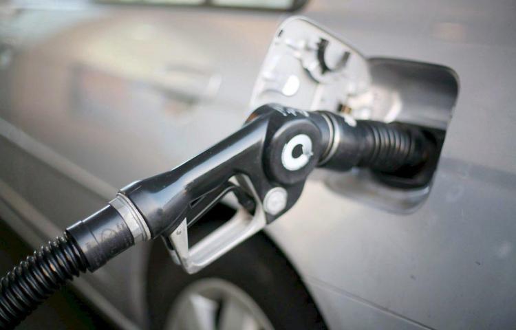 Se elevan nuevamente los precios de la gasolina