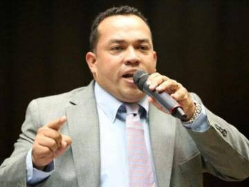 Guerrilla del ELN amenaza marcha de Guaidó