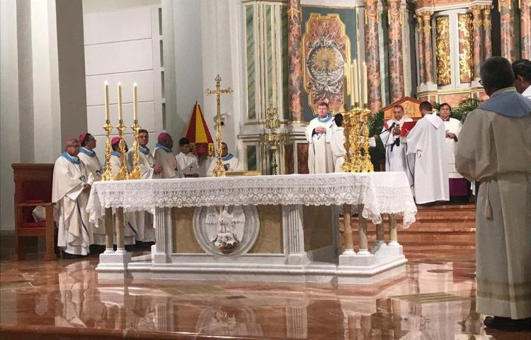 Iglesia Católica niega que avale a partido político o candidato
