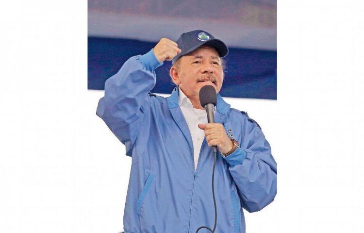 Ortega siente las sanciones a sus parientes