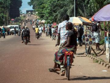 Ébola se fortalece en el noreste del Congo y suma más de 1.000 muertos