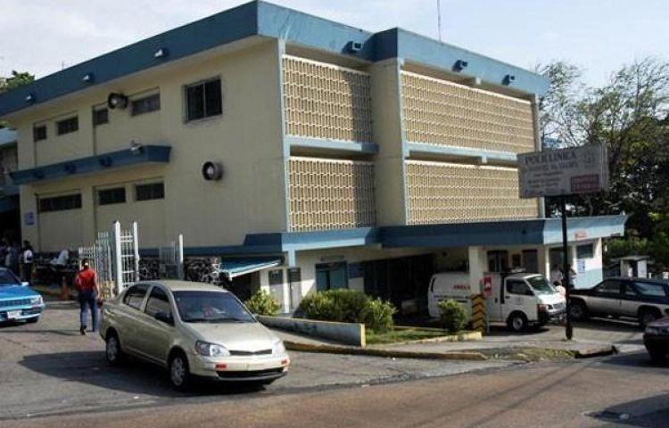 Policlínica Manuel María Valdés, estará cerrada por 15 días