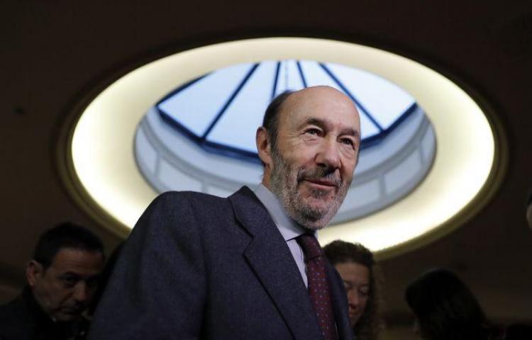 Muerte de destacado líder socialista paraliza la campaña electoral española