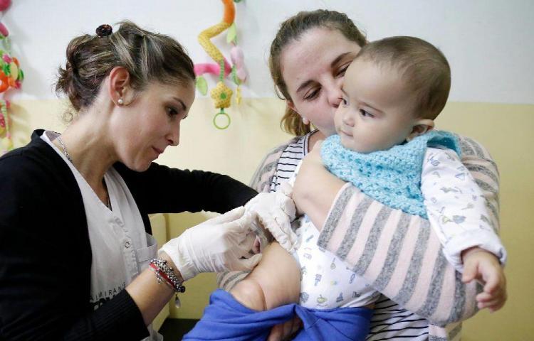 Vacunación, una de las intervenciones de salud más rentables