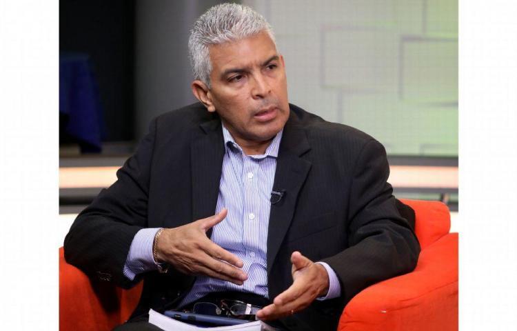 'No debería haber límites para la libre postulación ' Javier ordinola