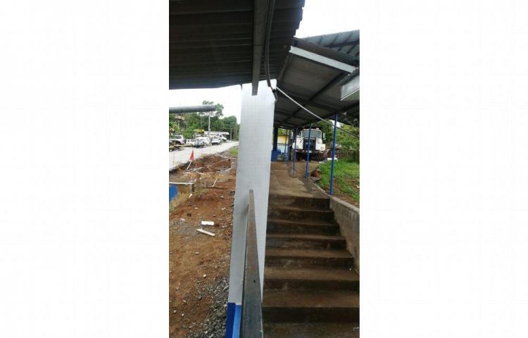 Empresas incumplen con proyectos para reparar las escuelas