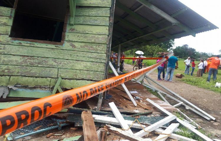Evalúan los daños tras el fuerte sismo
