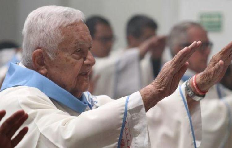 Fallece Monseñor Vásquez Pinto