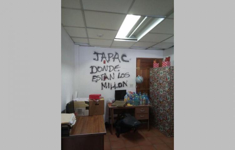 Desempleados se toman la Dirección de Asistencia Social