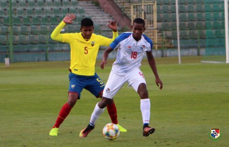 Panamá cae ante Ecuador
