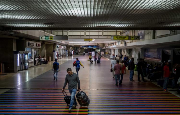 EE.UU. suspende de inmediato los vuelos comerciales y de carga con Venezuela