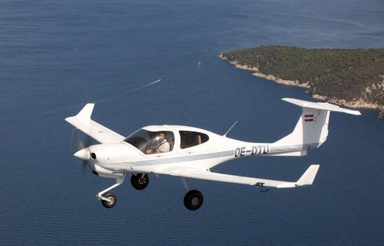 Piloto sobrevuela Australia durante 40 minutos, desmayado