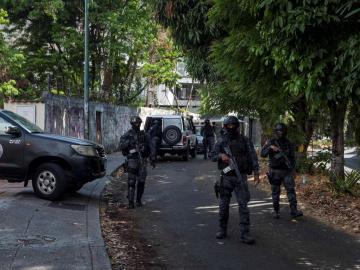 Guaidó también libera al comisario Iván Simonovis, preso político desde 2004.