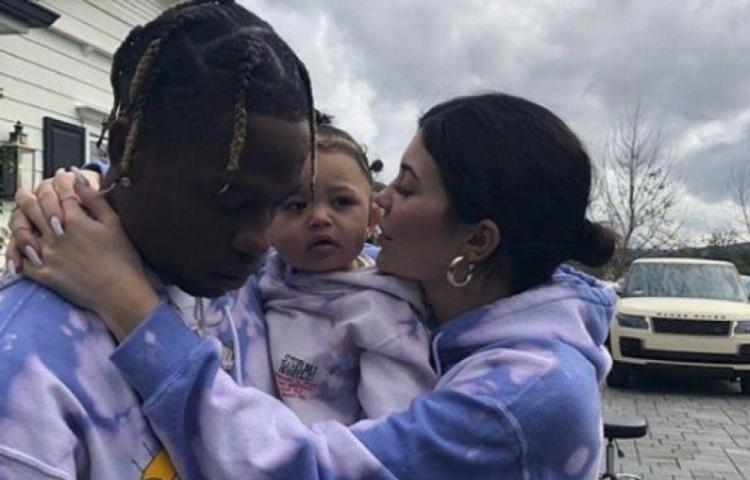 Travis Scott y Kylie Jenner se tatúan a su hija