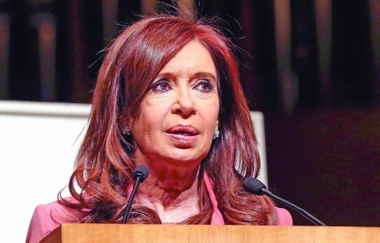 Cristina Fernández se lanza de nuevo al ruedo político