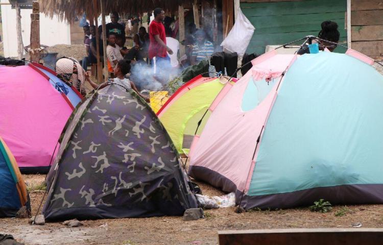 Más de tres mil migrantes están varados en el país