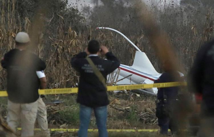Cae un helicóptero de la Marina de México que combatía incendio