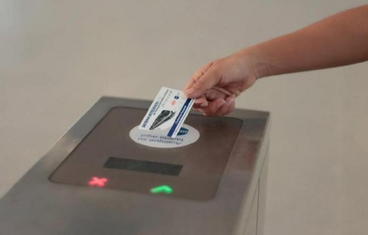 Usuarios del Metro ya pueden recargar con 'martinellis' en los CAE