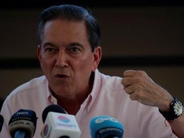Cortizo dice que revisará polémico contrato de gran mina de cobre de Panamá