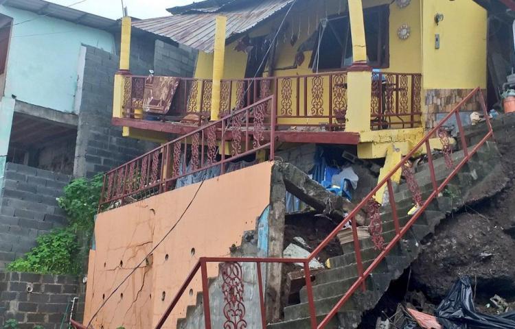 Se cae casa en Los Andes tras aguacero