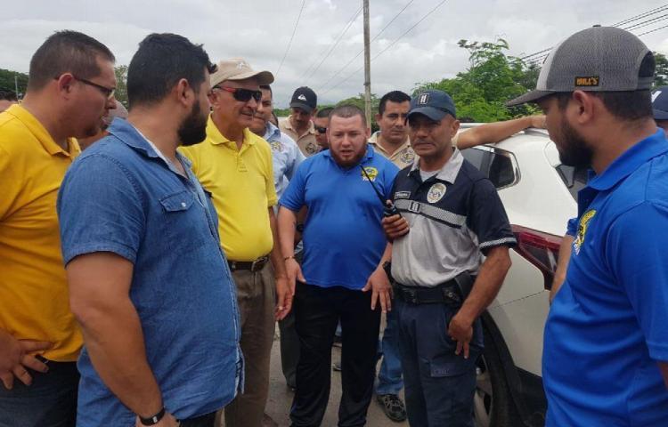 Taxistas en Chitré protestaron para exigir certificados de operación