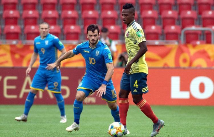 La selección de Ucrania elimina a Colombia y avanza
