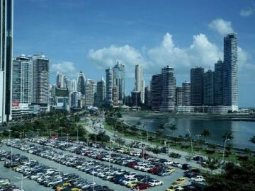 Apuestan por asociación público-privada para impulsar economía panameña