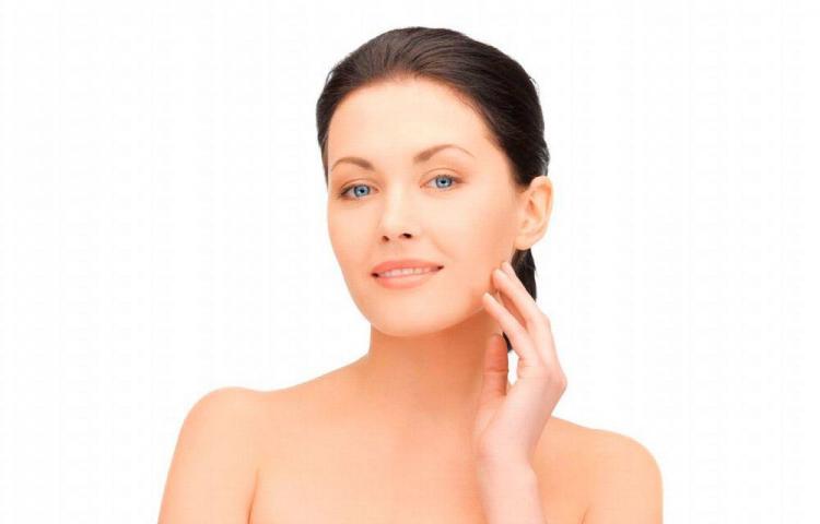Póngale frenos a las manchas en la piel