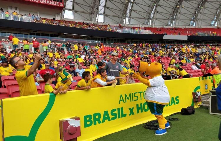 El fútbol llega a la pantalla gigante en Río en homenaje a la Copa América