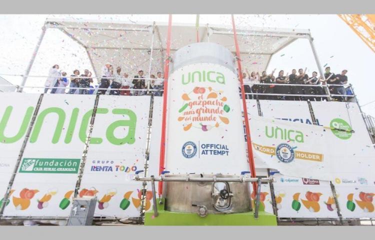 El gazpacho más grande del mundo de 9.800 litros
