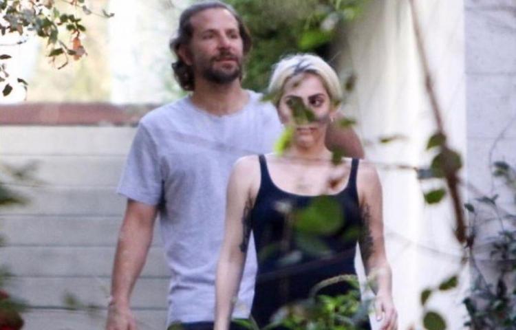 Captan salida de Lady Gaga de la casa de Bradley