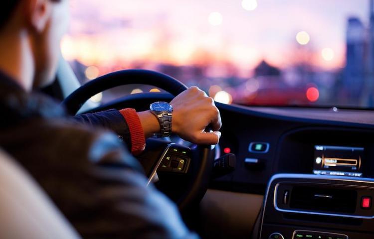 El Congreso de Nueva York aprueba ley para permitir conducir a indocumentados