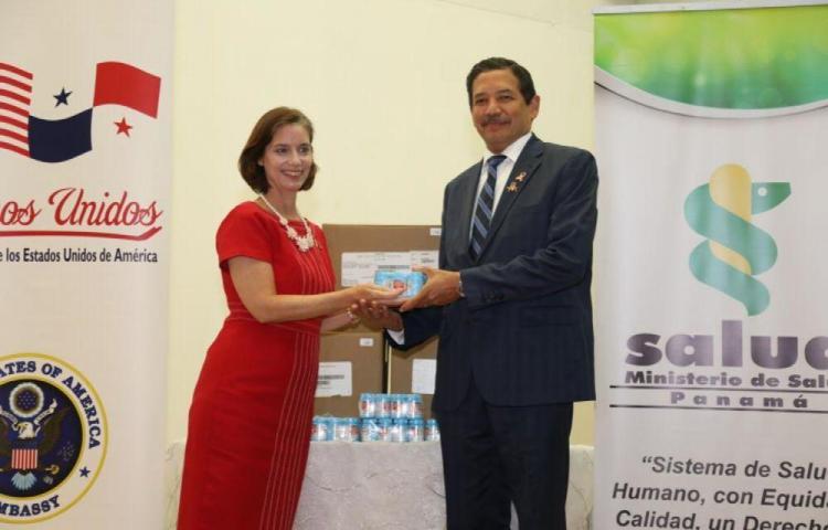 Panamá recibe 6,354 frascos de terapia antirretroviral