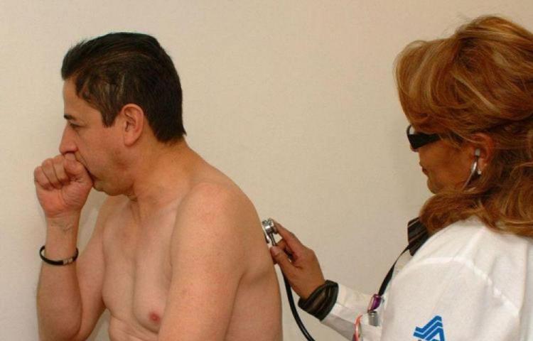 Tos por más de 15 días, signo de tuberculosis