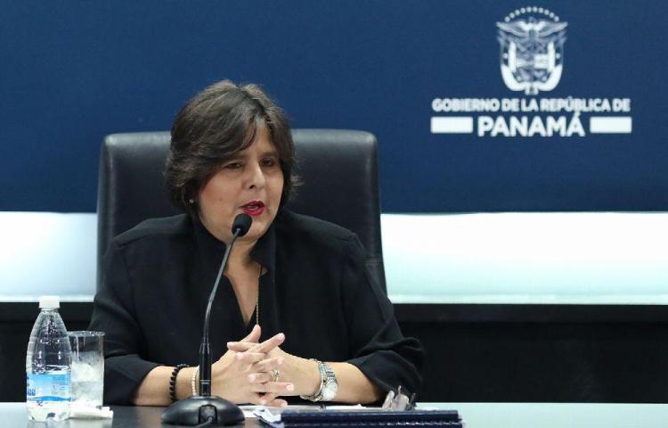 Ministra de Economía no responderá a 'opiniones políticas' del vicepresidente