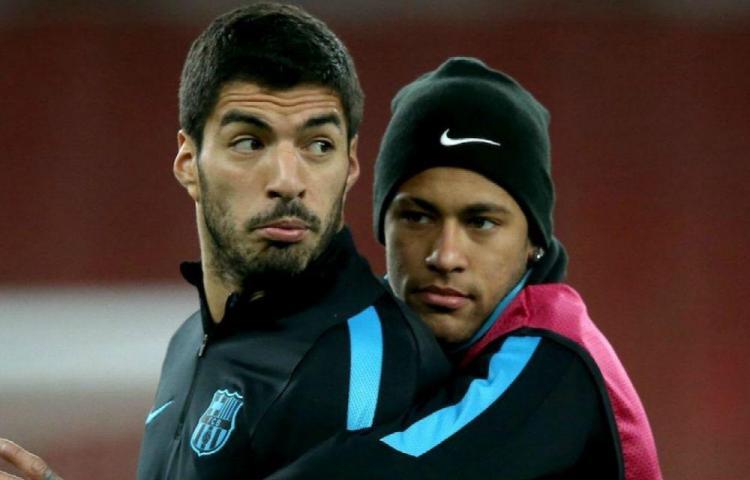 Suárez apoya a Neymar