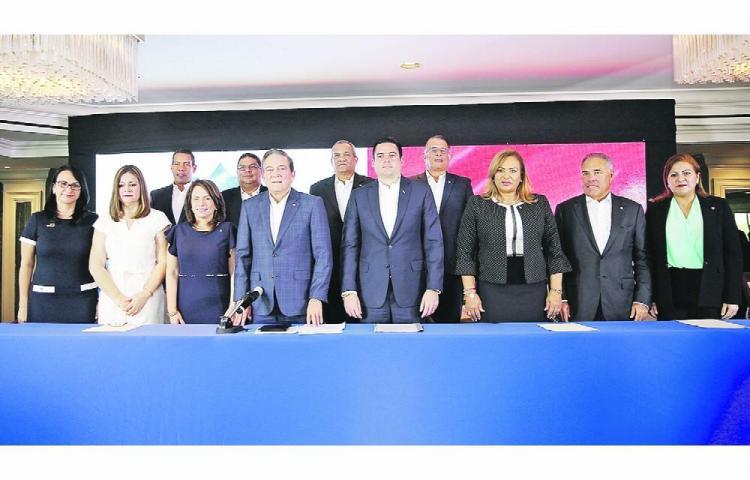 Laurentino Cortizo designa viceministros que acompañarán a Héctor Alexander en el MEF