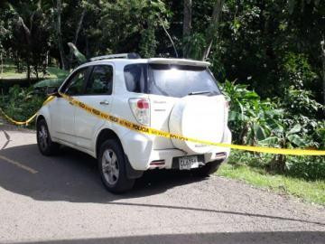 Le roban el auto y lo dejan abandonado en Monte Limar en La Chorrera