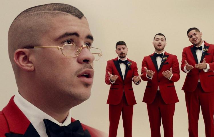 Bad Bunny sorprende en YouTube con nuevo single de bolero