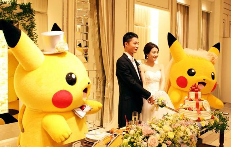 La fiebre Pokémon llega hasta el altar