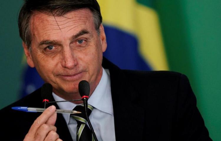 Senado Brasil rechaza decreto de Bolsonaro que libera venta y porte de armas
