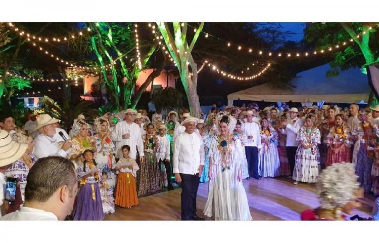 Ministro Jorge González celebró su boda en Los Santos