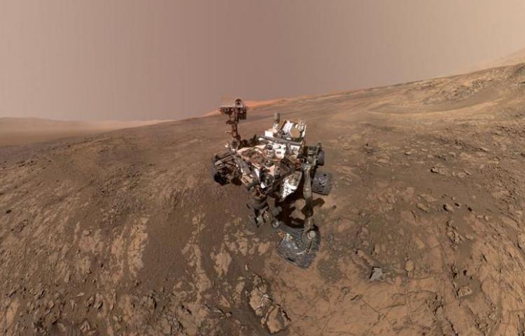 NASA revela una inexplicable luz brillante sobre Marte
